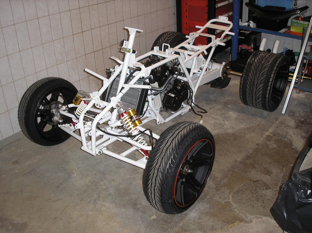 E-Streetquad Disassembling some more