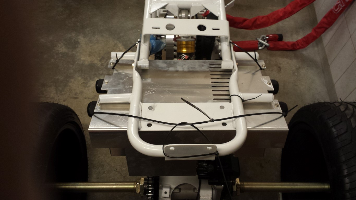 E-Streetquad Fitting the batteries and controller's enclosure
