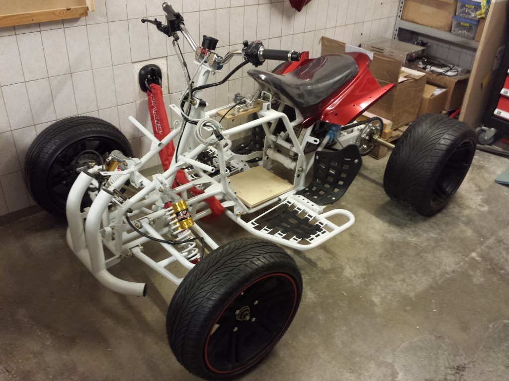 E-Streetquad Some more preparations for testride and more fastening materials