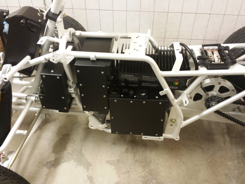 E-Streetquad Battery boxes in frame and cable pass throughs